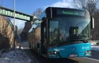 TrutnovskáMHDmájakoprvnívČRautobusypouzenaalternativnípohon.ČEZESCOdodáenergiizbiomasy,unikátní150kWdobíjecístaniciazázemí.
